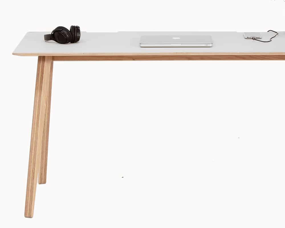 Brenin-Lino-Desk